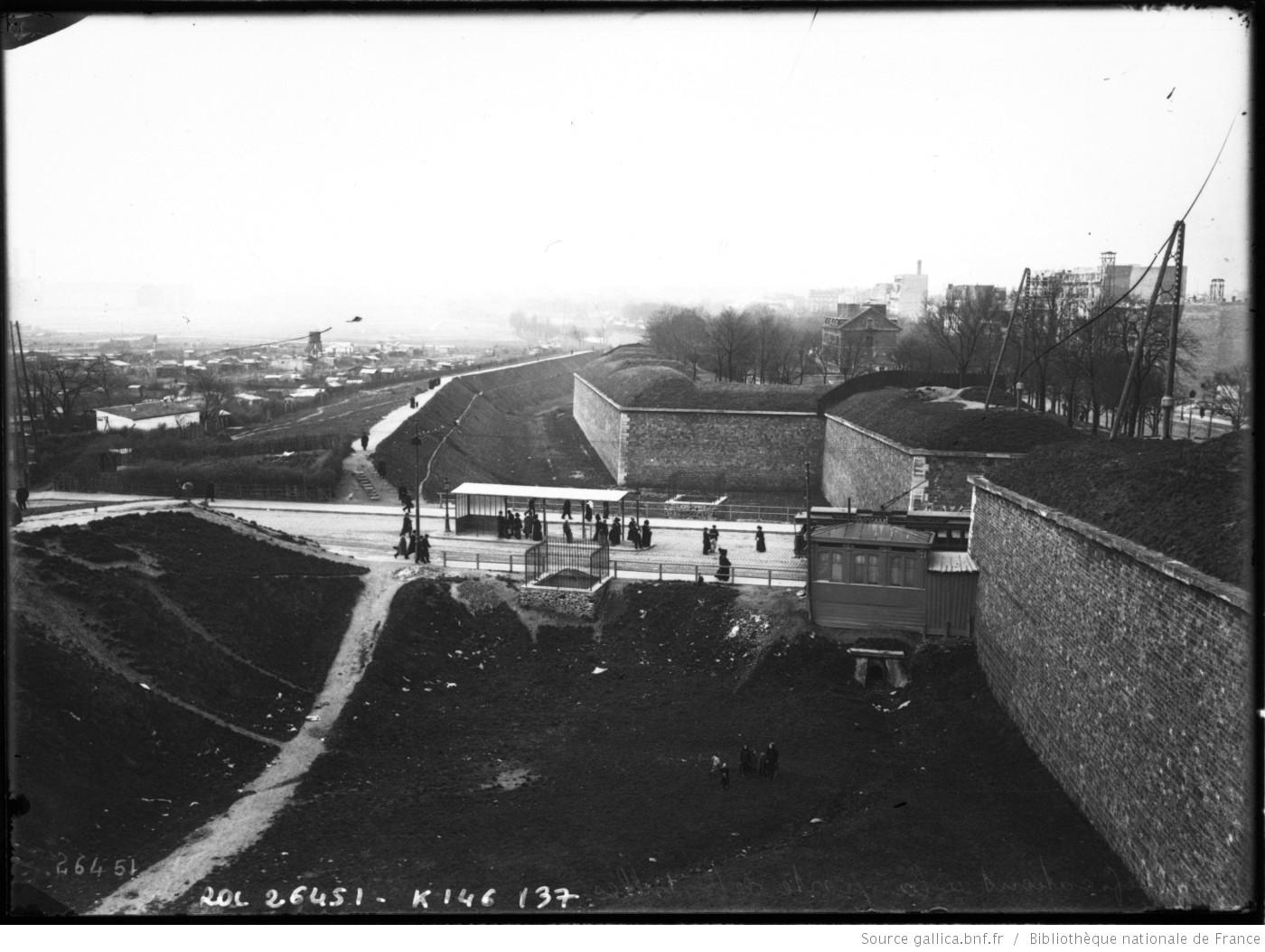 Fortifications à la Porte_de Versailles - Agence_Rol