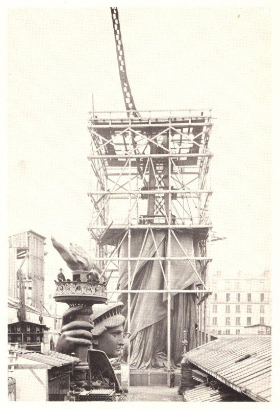Statue de la Liberté dans l'atelier de montage de la Rue de Chazelles