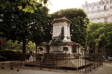 1941 – Le massacre des statues