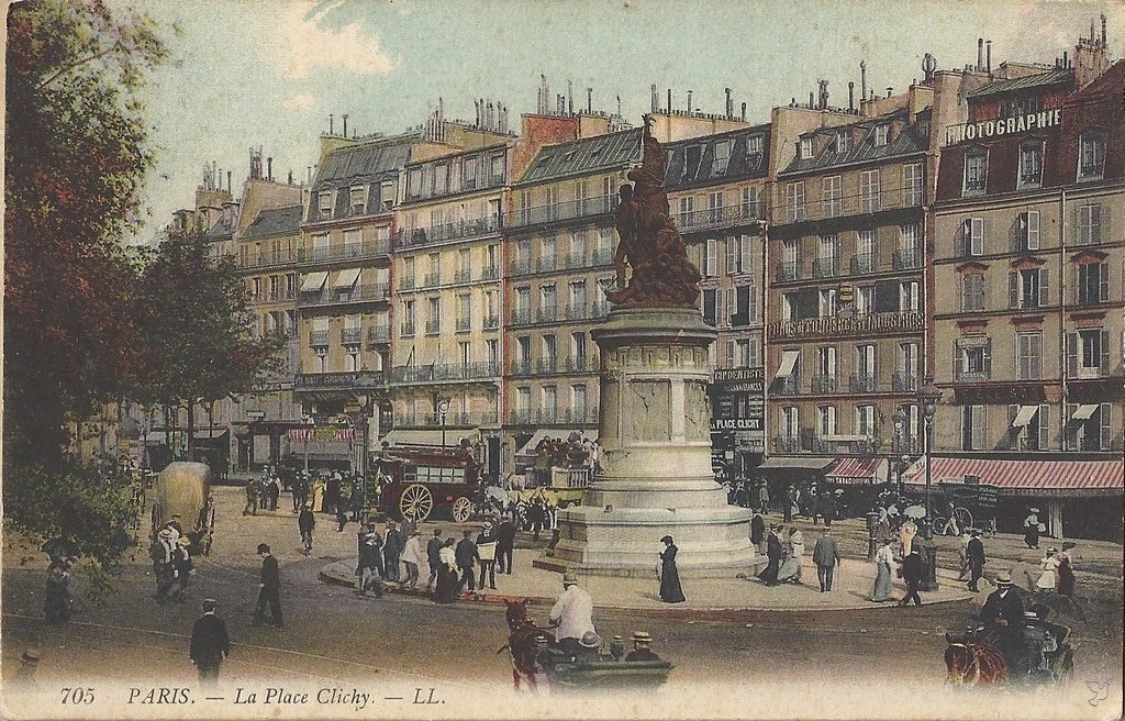 1346934401-Paris-La-place-Clichy
