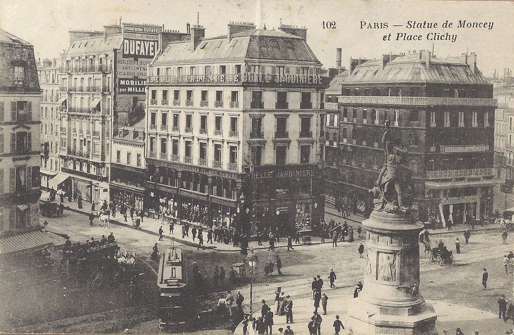 1368611799-carte-postale-Place-de-Clichy-PARIS