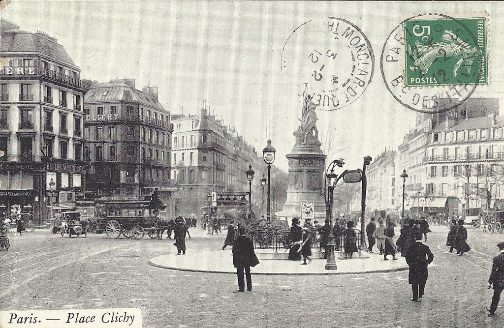 1368612374-carte-postale-Place-de-Clichy-PARIS