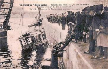 1911 – Un bus tombe dans la Seine
