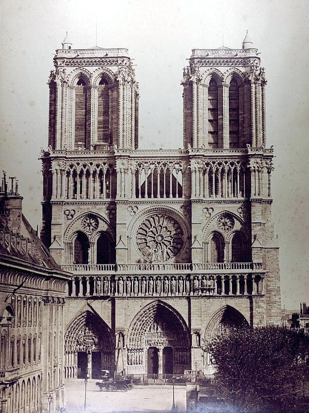 Notre Dame par Gustave le Gray - Un des derniers clichés avant la restauration de la Flèche