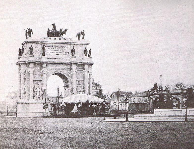 """La maquette de l'Arc de Triomphe de Napoléon III par Victor Baltard - 1862 - Sources """"Paris des Utopies"""" Yvan Christ"""