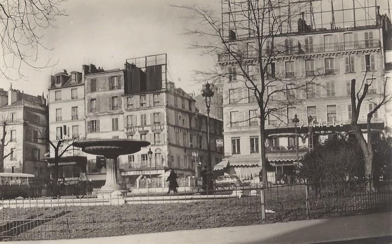 1330426998-Paris-Pl-Pigalle-GALF