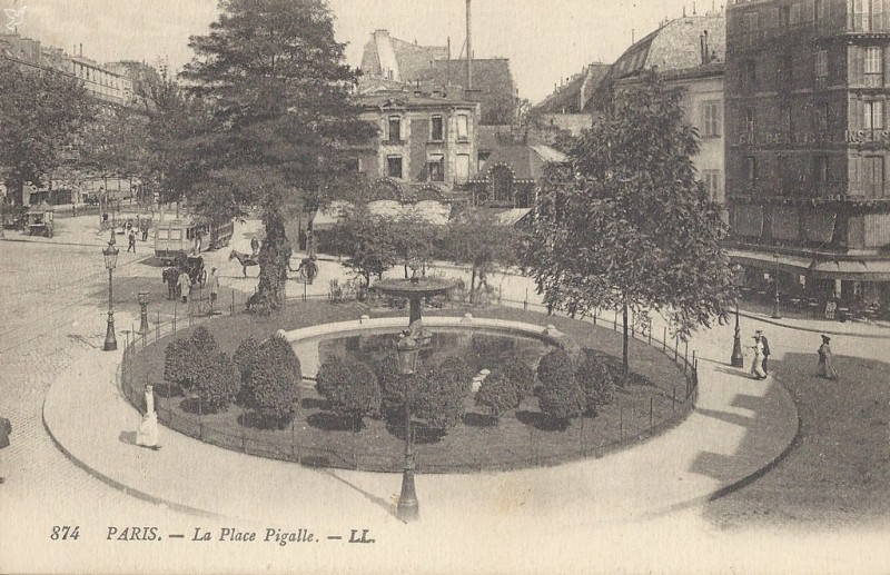 1365242995-carte-postale-place-Pigalle-Paris