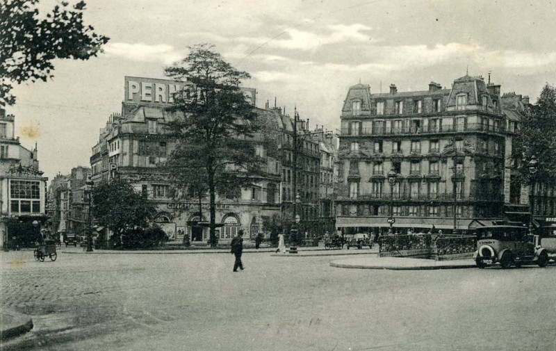 1367579558-Place-Pigalle