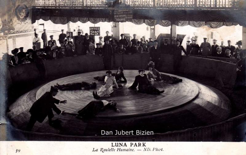 Paris-Luna-Park-roullette-humaine