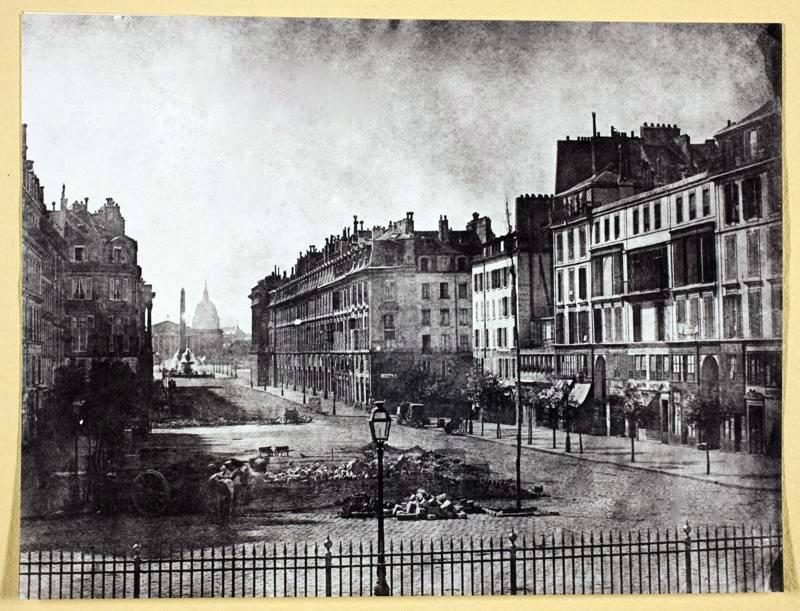 Rue Royale 1848 - Reste des barricades par Hippolyte Bayard