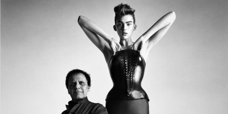 Azzedine Alaïa et l'un de ses modèles par Patrick Demarchelier