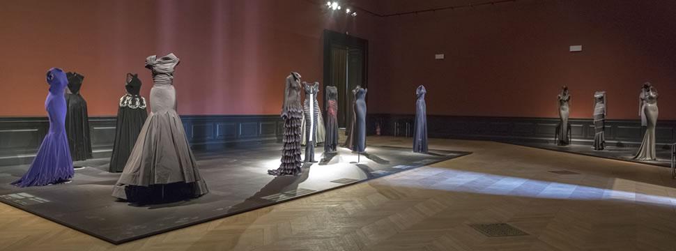 Exposition ala a palais galliera paris unplugged for Salon exposition paris