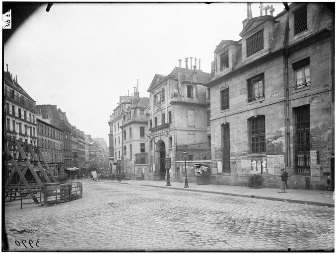 Paris, St-1. Lazare, exterior, from north