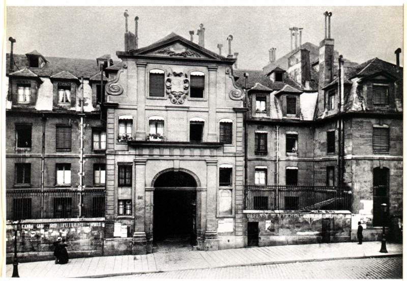 Paris, St. Lazare, entry to prison