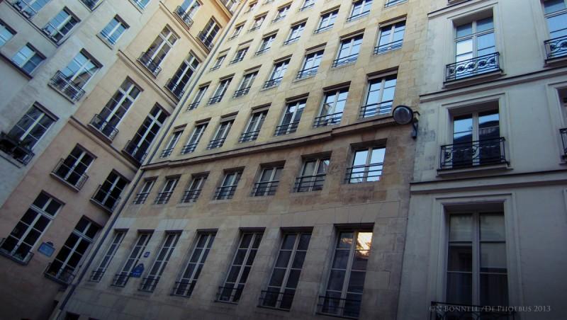 L'immeuble du 48 rue de Valois Paris 1er