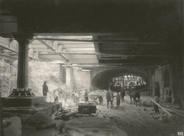 "1904 – Le métro ""In progress"""