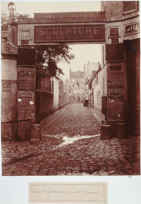 Cour Saint Guillaume de la rue Neuve Coquenard