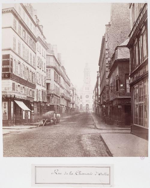 Rue de la Chaussée d'Antin vers l'église de la Trinité