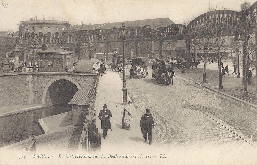 1368177070-carte-postale-Paris-Boulevard-de-la-Villette