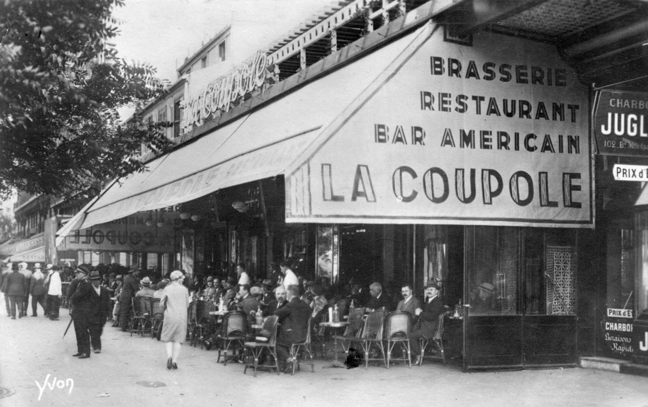 Cafe La Poste Paris