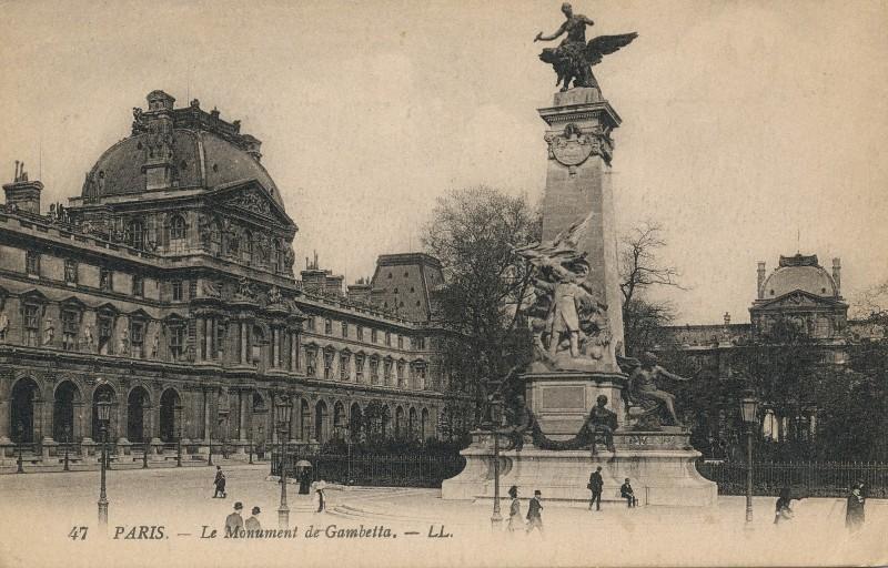 ParisMonumentGambetta