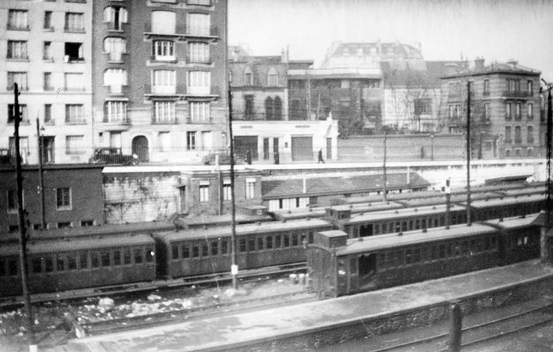 rames_voyageurs_courcelles-ceinture_1922-1932-cliche_begue_800px_72dpi