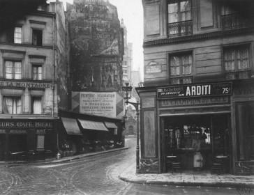 Paris 05 – La rue de la Montagne Sainte Geneviève