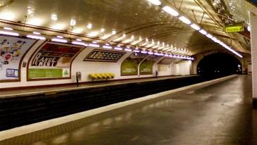 Comment la publicité a-t-elle investi le métro ?